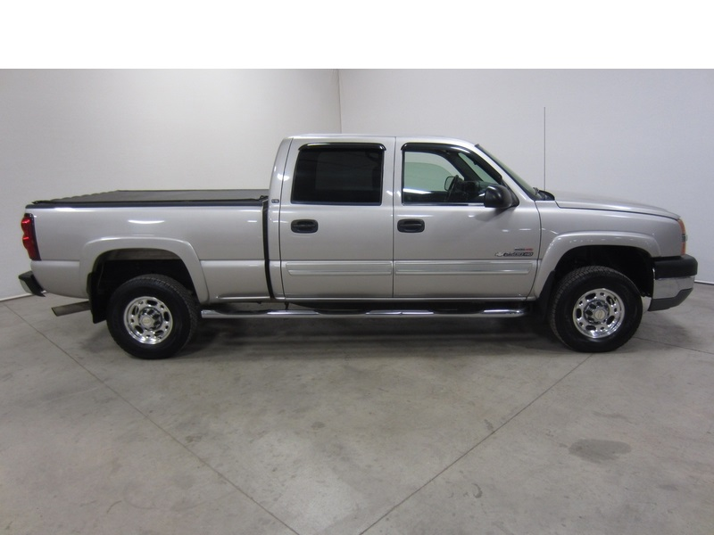 sell used 04 chevrolet silverado 2500 duramax diesel 6 6l v8 crew short 4x4 80pix in parker. Black Bedroom Furniture Sets. Home Design Ideas