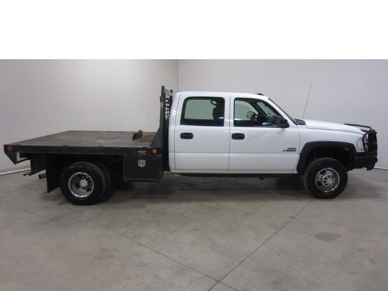 purchase used 07 chevy silverado 3500 6 6l v8 duramax diesel crew cab flatbed 1 owner 80 pics in. Black Bedroom Furniture Sets. Home Design Ideas