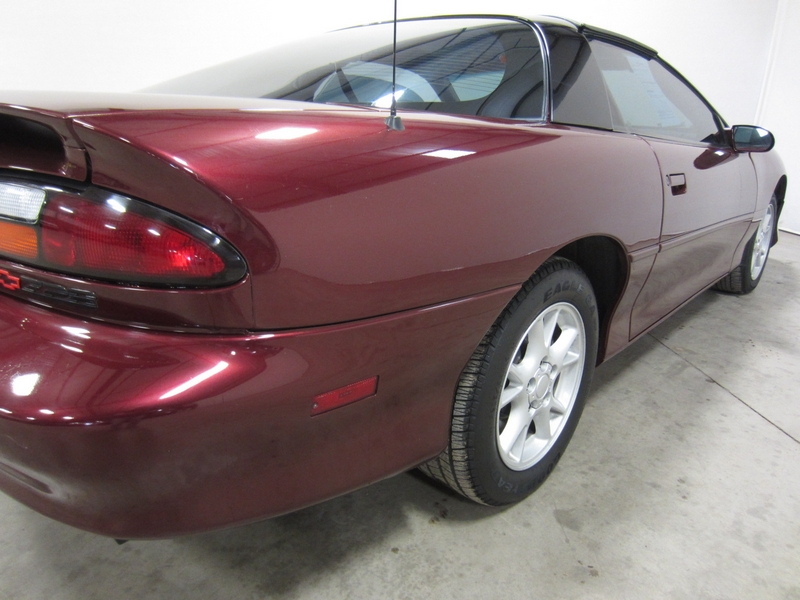 find used 2000 chevy camaro z28 6 spd manual t tops. Black Bedroom Furniture Sets. Home Design Ideas